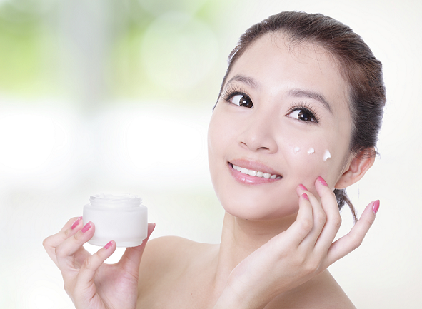 How To Use Anti Aging Cream