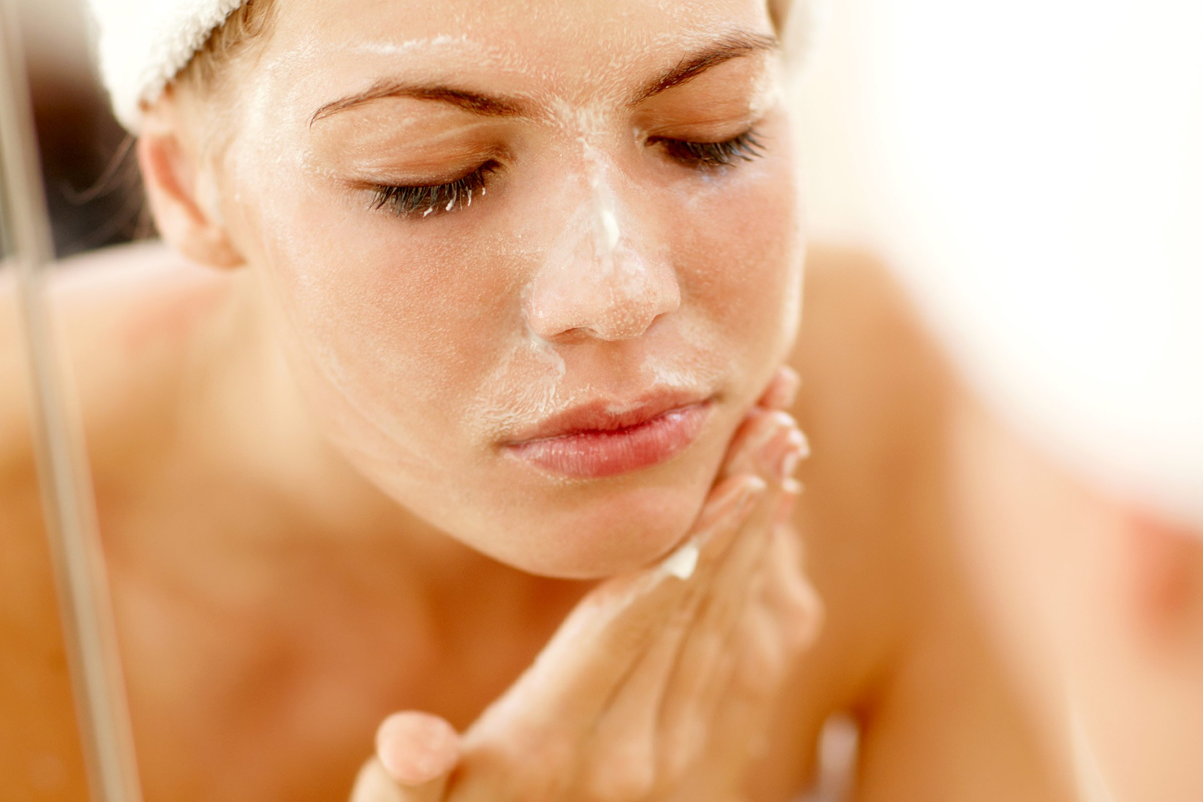 How To Use Face Scrub