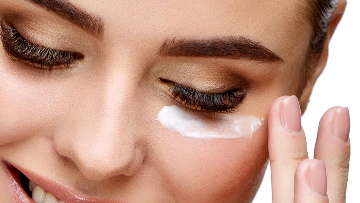 How to Use Under-Eye Cream
