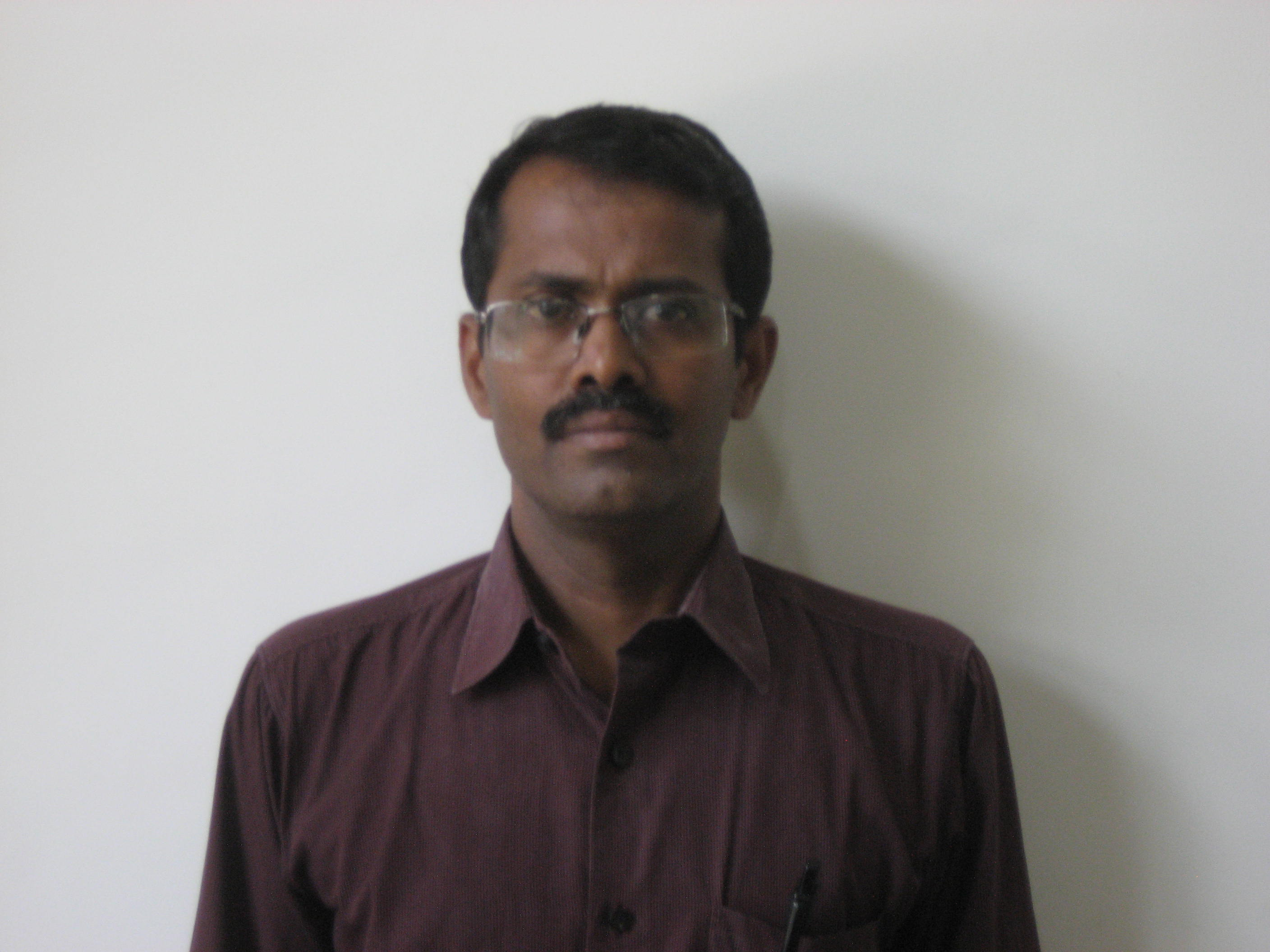 Dr.P.Muthukumar is the Medical director/Chairman of Harini shravan Hospital.He is the consultant pediatrician/neonatologist practising in this hospital.He also visits other hospitals like KG Hospital,Kurinji hospital etc.
