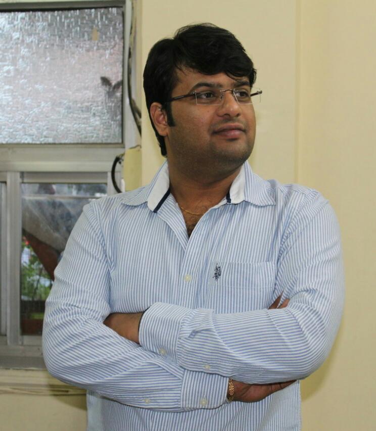 Dr Vaibhav did Gradu
